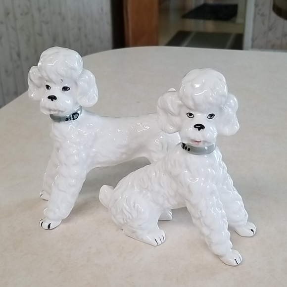 Set of 2 Vintage White Puddle Figurines